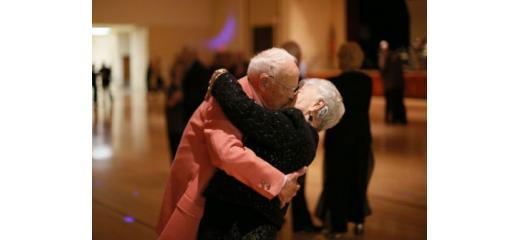 gli anziani e il ballo