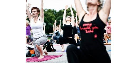 Yoga flash mob (fonte: Oms Europa)